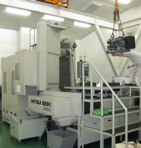 三井精機 横型マシニングセンタ HS6A